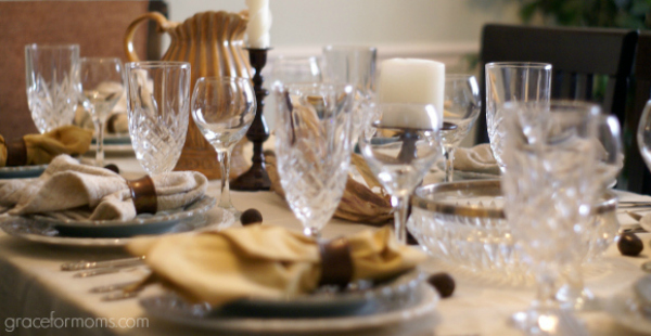how to set a dinner table for two 1