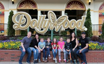 Visiting Dollywood In Pigeon Forge, Tennessee: 5 Things You Need to Know